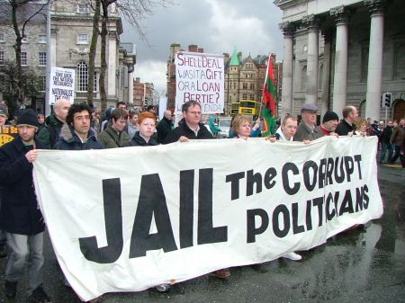 jail the corrupt politicians 